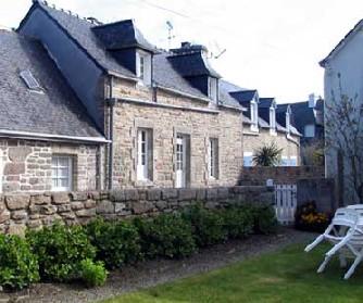 http://bretagnelocations.net/location/Francais/tycreizext2.jpg