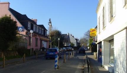 la rue principale de beg meil