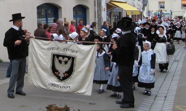 Les défilés Bretons lors de la Fête des Pommiers à Fouesnant