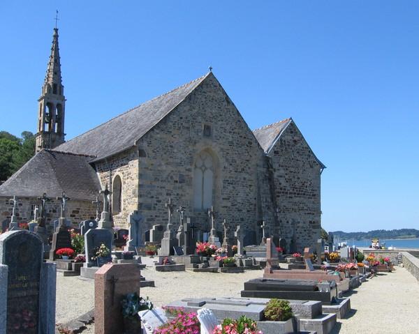 église et le cimetière de Landévennec